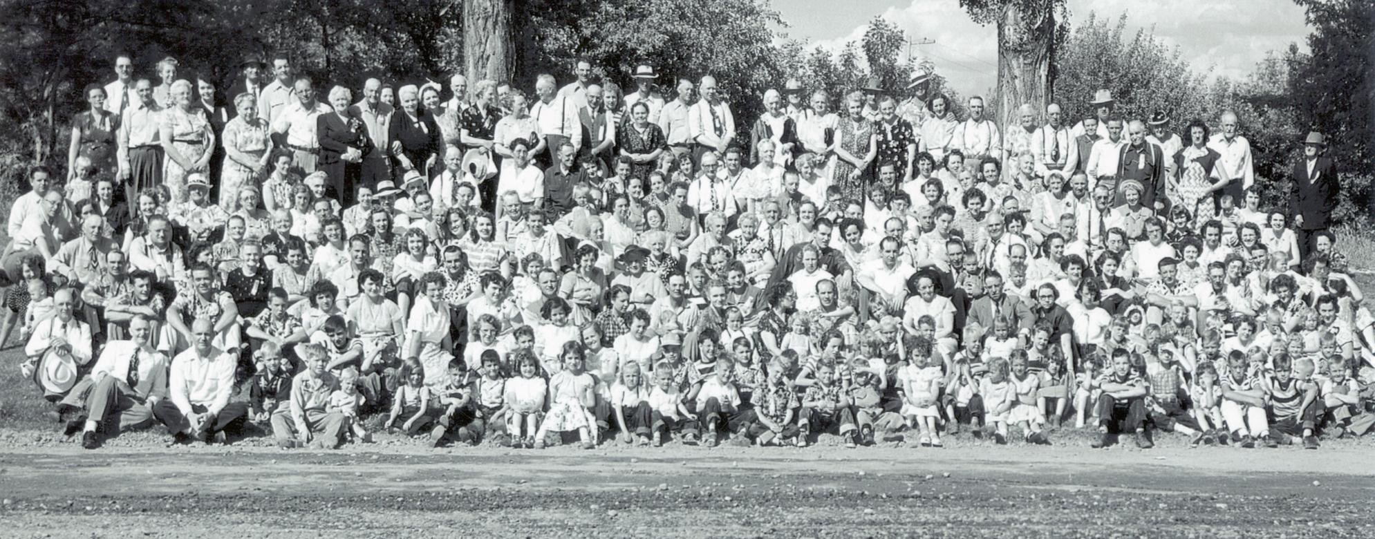 fam-org-reunions-slide-3-tolman-reunion-1951-idaho-falls