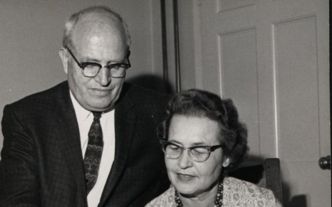 Biography of Loa Jennis Tolman (1906-1992) and Myral Gillespie Clark (1901-1964)